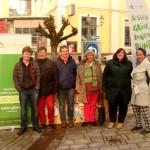 Andrea Bogner-Unden (4. von links) mit der Grünen Jugend, mit dabei sind auch die Sigmaringer Stadträte Gerhard Stumpp (2. von links) und Ursula Voelkel (rechts)