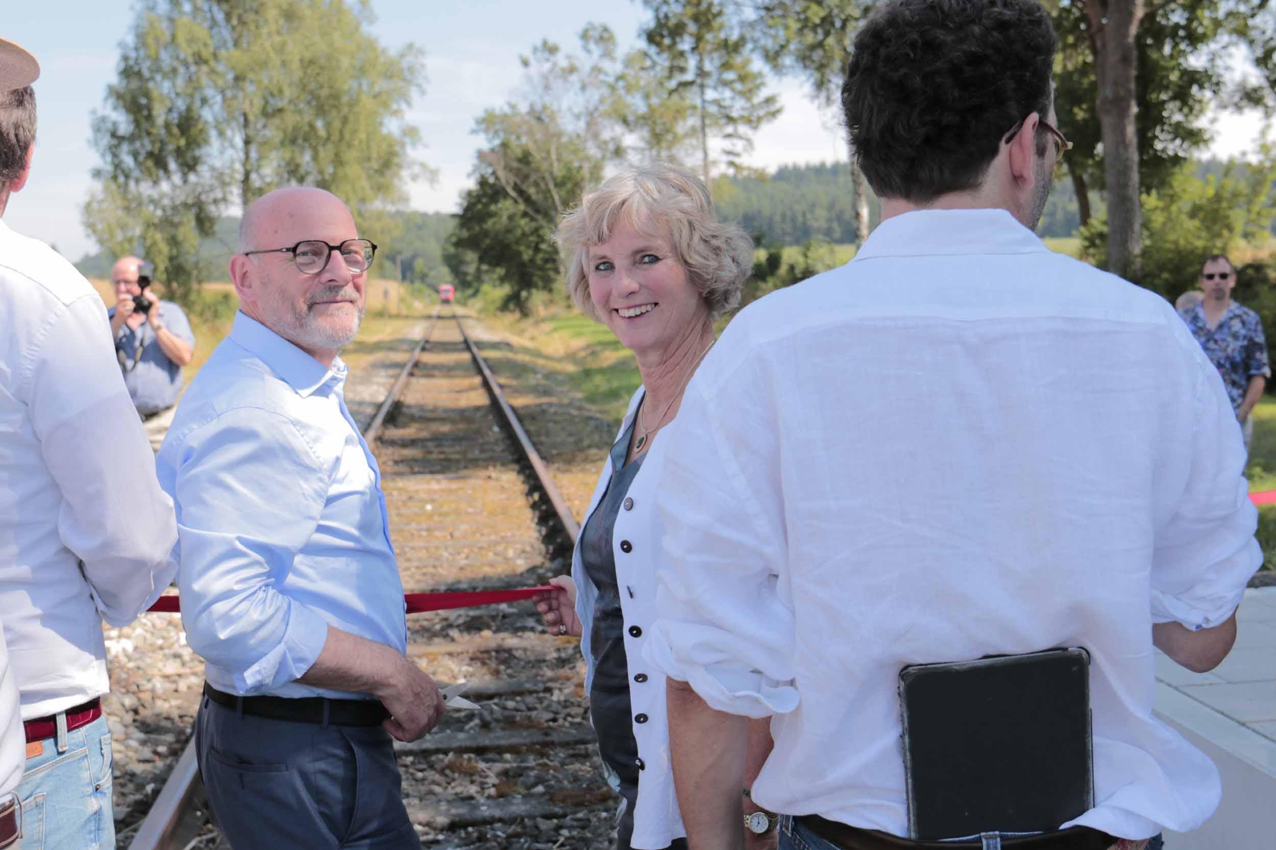 In Hoßkirch halten erstmals seit 55 Jahren wieder Personenzüge